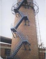 金华烟囱平台旋转楼梯安装、Z形钢折梯安装、安装螺旋形爬梯