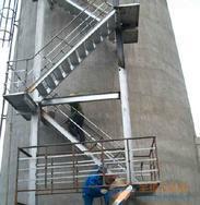 舟山烟囱平台旋转楼梯安装、Z形钢折梯安装、安装螺旋形爬梯