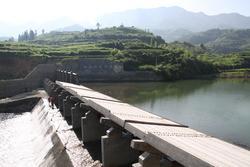 湖南城步尖口电站5×10米倾斜式