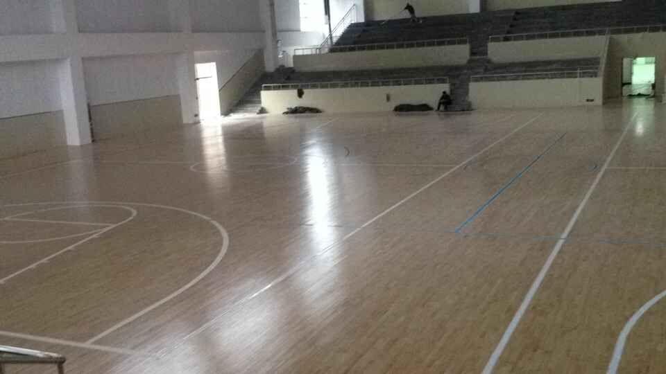 羽毛球木地板,体育木地板安装