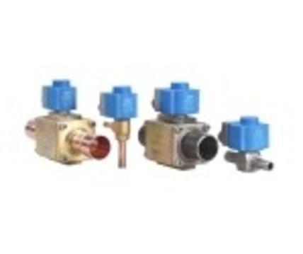 用于制冷系统的电子式操作阀与电子控制器连接,丹佛斯图片