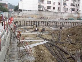 槽钢钢板桩施工