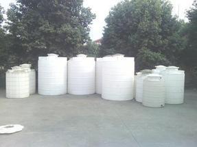 德阳塑料化工桶储水灌/南充塑料耐酸碱水箱水塔