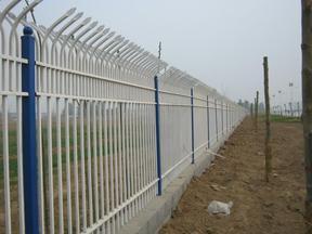 厂房围墙加高防护栏锌钢围墙护栏