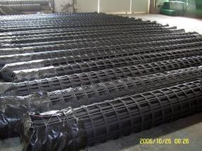 钢塑复合土工格栅供应/凸结点钢塑格栅