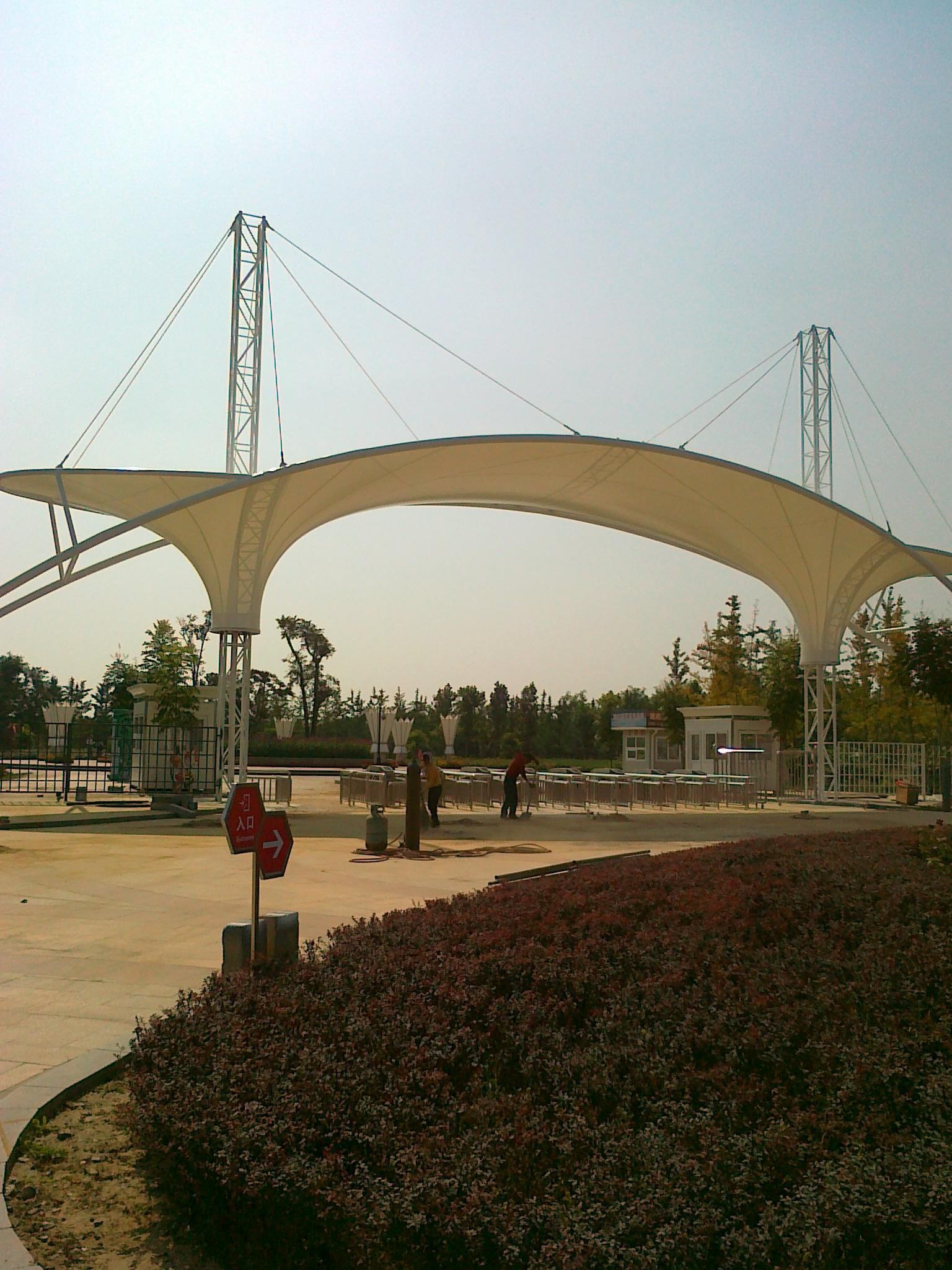 建筑入口膜结构价格