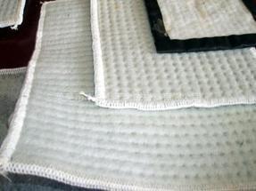 山东生产厂家膨润土防水毯价格
