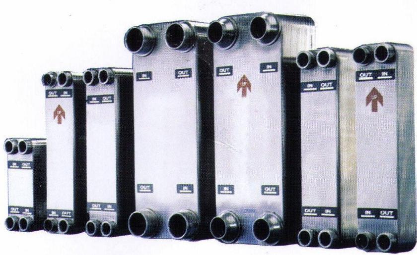 板片在真空高温炉下以铜为焊料钎焊而成的无垫片和无框架结构的换热器