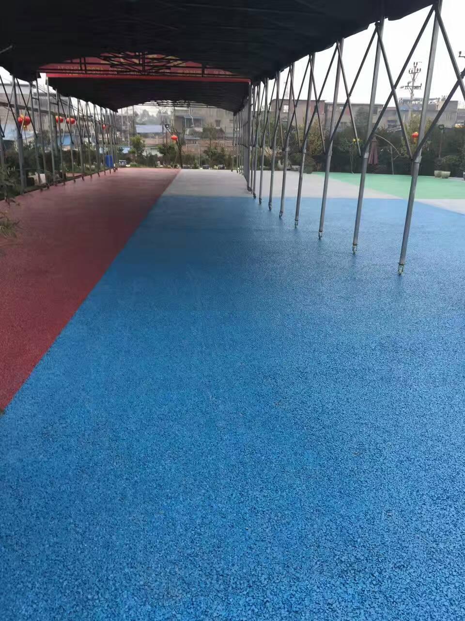 江苏淮安海绵城市正式启动步行街透水 彩色混凝土路面