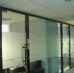 济南办公室玻璃隔断磨砂贴膜