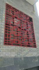 厂家定制复古铝花格窗-仿木纹铝合金花格窗