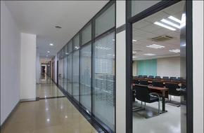 北京玻璃隔断 双玻百叶隔断 办公室装修