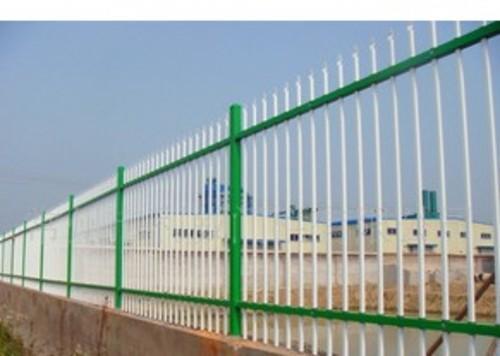 供应高质量钢质围墙护栏 铝合金围墙栅栏