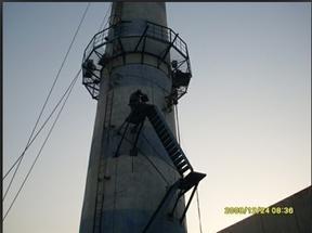大石桥烟囱安装旋转梯|烟囱折梯安装|烟囱安装检测平台