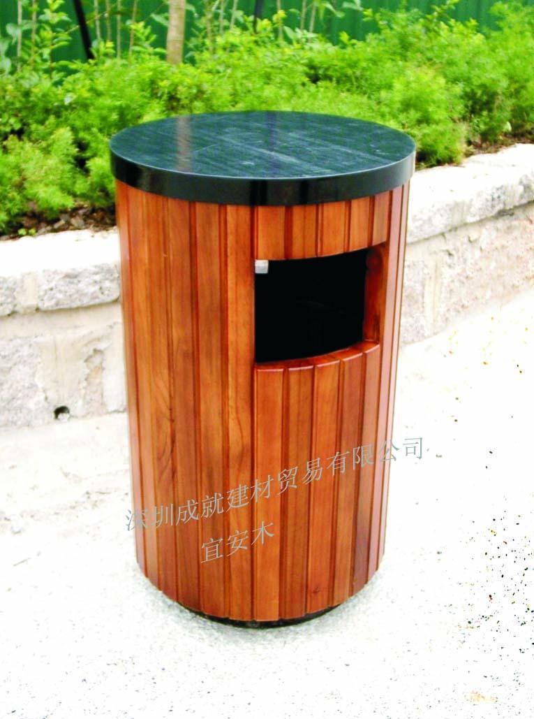 描述或定义:木材防腐处理采用环保的ACQ防腐处理最新技术,经专业防腐处理,具有耐磨损,耐用,易保养等优点,同时也极具亲合力,美观自然。ACQ、CCA木材防腐剂严格按照美国AWPA-2001标准生产,其中:ACQ—D有效活性成分 =15%,CCA—C有效活性成份为65%-70%左右,防腐木材符合澳大利亚AS—1604-2000标准及中国GB50206-2002标准。 性能:经过天保专业木材防腐剂和特殊工艺处理后的木材,防真菌、抗白蚁、抗蠹虫、防霉变,抗水生(淡水、海水 )