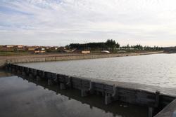 内蒙古兴和县倾斜式水力自控翻板闸门
