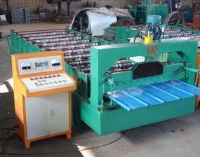 900型彩钢压瓦机设备