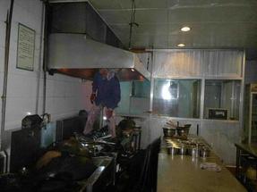 郑州酒店、宾馆厨房排烟风机维修  厨房排油烟改造