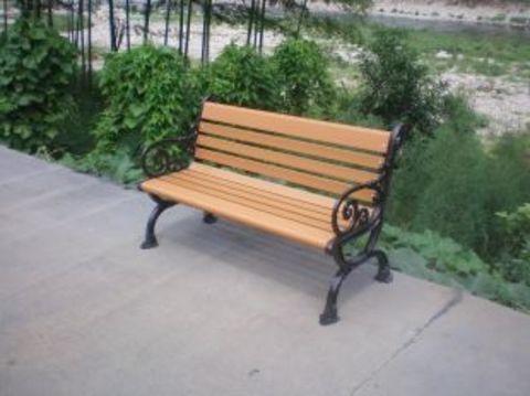园林异形座椅-塑木户外座椅比防腐木的好么 价格要贵很多么