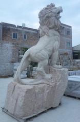 GAB578锈色花岗岩狮子雕像