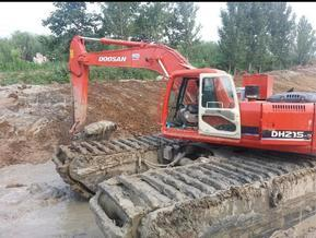 安徽合肥水上挖掘机出租*水路挖掘机租赁公司