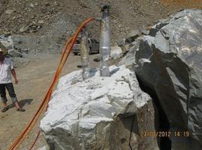坚硬岩石破碎机械-岩都yd-c60903劈裂机专业厂家