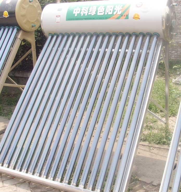 太阳能热水器外桶:直径是420mm镀铝锌合金;4