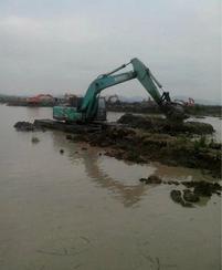 天津水上挖掘机出租、水陆两用挖掘机租赁**大图