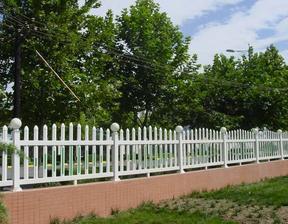穿插栅条式护栏