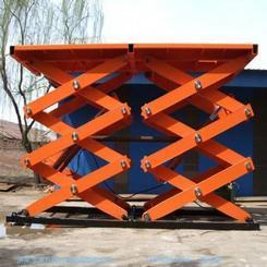 全自动升降机哪家强,中国通辽市找浩龙升降机械