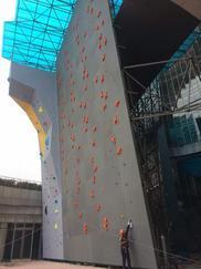攀岩墙制作,体育拓展健身房攀岩墙设计