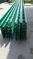 玻璃钢电缆桥架