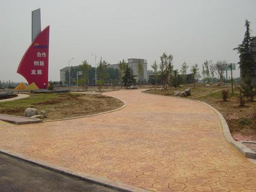 混凝土仿木地坪/水泥压花地坪施工方法/压模地坪材料