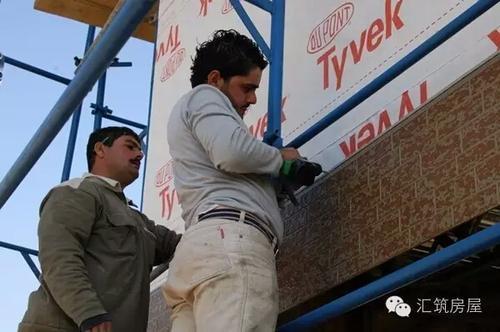 安装便捷 节省成本:金属雕花板安装方式简单,快捷,并不受季节气候和