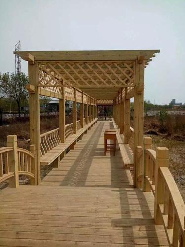 防腐木凉亭,防腐木雨篷,防腐木景观桥,花箱,木廊架,花架,景观木质栏杆