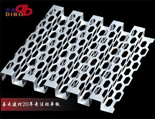 金属雕花板生产厂家