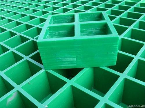 玻璃纤维,合成树脂和界面是车间格栅盖板有着超强性能必不可少的因素.