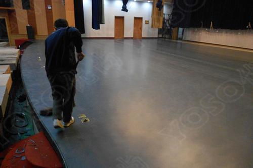 蹈工作室铺什么,舞蹈地胶和木地板哪个看着效果更好?
