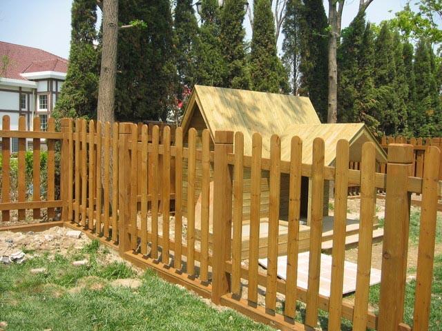 如:木屋,木制别墅,木制警亭,仿古木凉亭,木塔,户外木栅栏,桑拿板,花坛