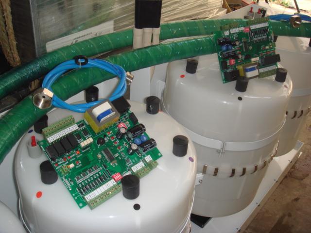 oem电极加湿器开机后,电脑控制器先开启进水阀,使水通过图片