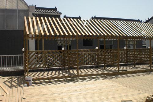 装修使用它,效果甚佳的木材——防腐木。