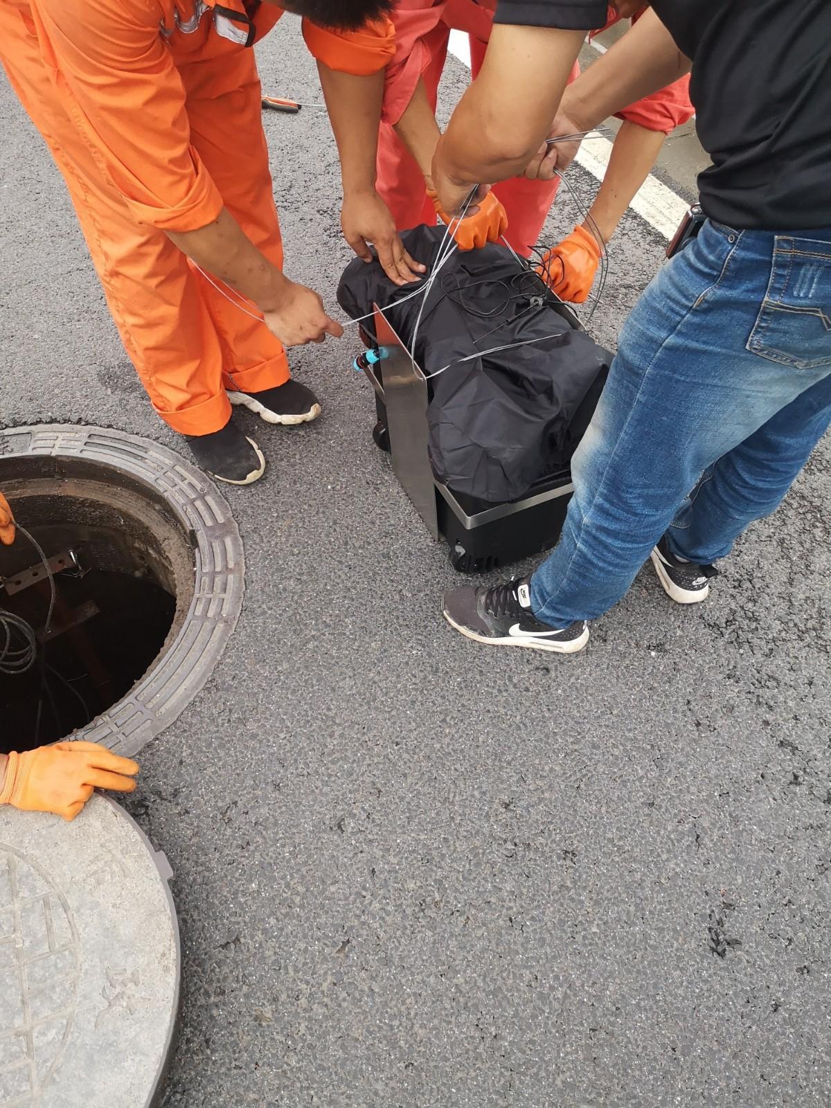 上海排水集�F地下管�W�目