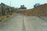 安庆市工业园环湖大道钢塑土工格栅施工现场