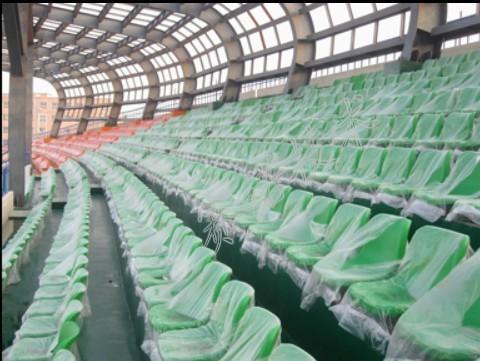 用渗漏检测仪对体育场渗漏检测