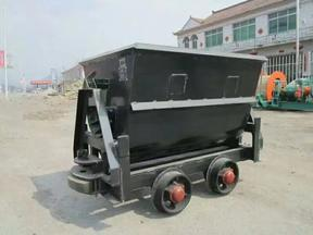 翻斗式矿车厂家直销翻斗式矿车固定式矿车侧卸式矿车多种规格