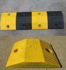 道路減速帶 市政坡道緩沖帶 國標鑄鋼減速帶廠家