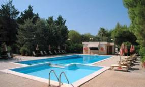 建一个游泳池需要多少钱