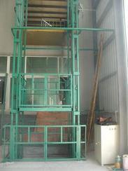 供应辽宁液压载货货梯、固定式载货货梯。