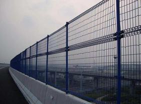 防落物网适用于高速公路桥梁上安装使用