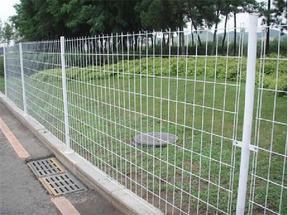 铁丝网围栏-围墙网大门-圈地铁丝网围墙